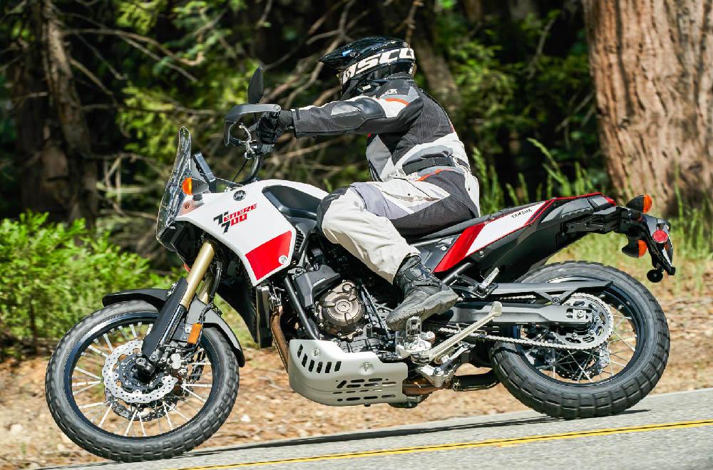 Сапоги туристические ALPINESTARS COROZAL ADVENTURE DRYSTAR для мотоциклистов, вид в лесу купить по низкой цене