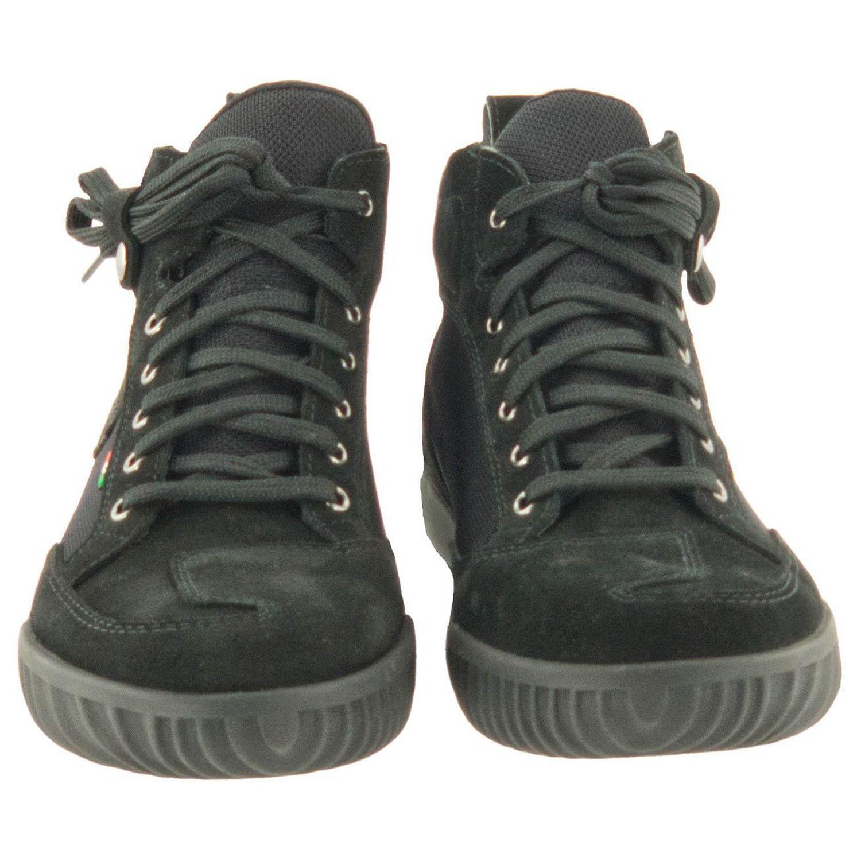 GAERNE G.RAZOR черного цвета мотоциклетные ботинки из замши, вид спереди купить по низкой цене