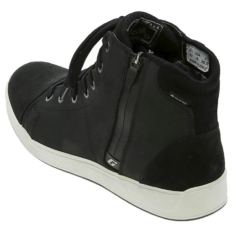 GAERNE G.VOYAGER CDG черного цвета мотоциклетные кроссовки, вид с наружной стороны сзади купить по низкой цене