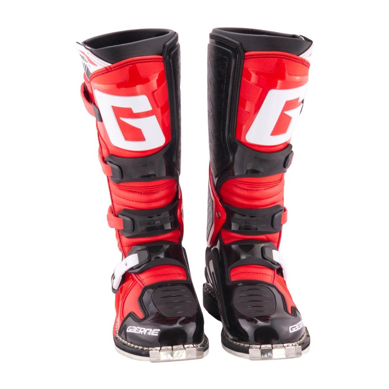 GAERNE SG-10 черно-красного цвета спортивные сапоги для мотокросса, вид спереди купить по низкой цене