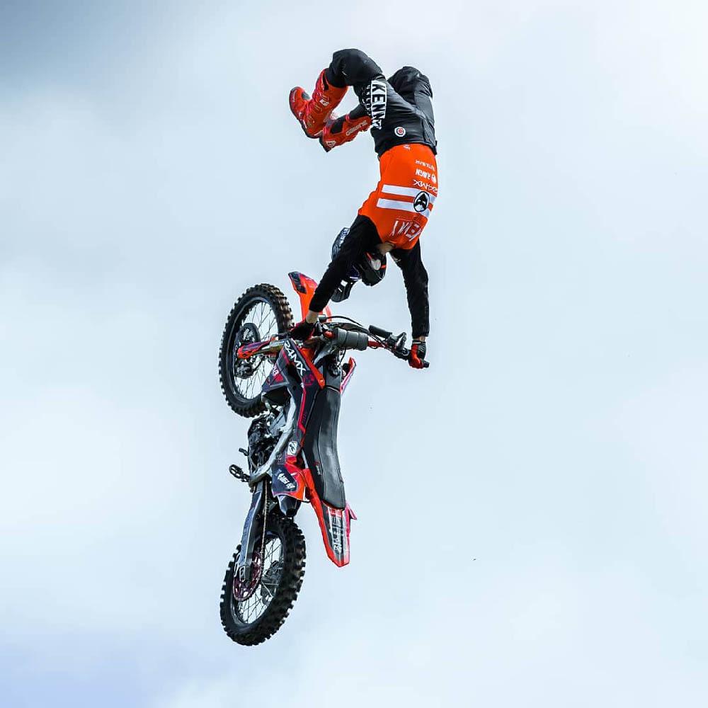 GAERNE SG-12 спортивные сапоги для мотокросса в прыжке купить по низкой цене