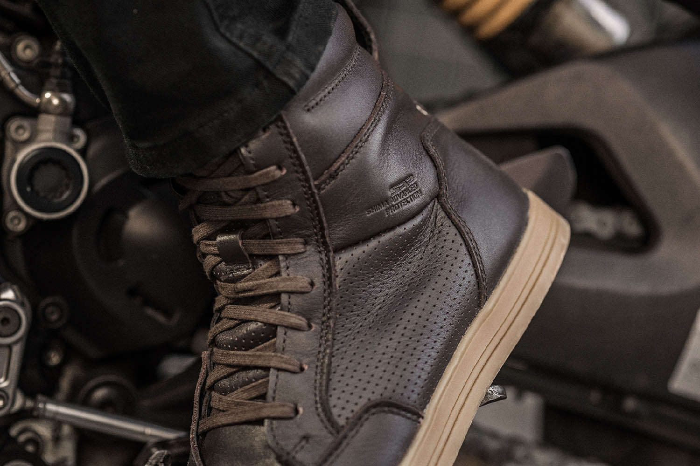Мотоциклетные ботинки SHIMA BLAKE BOOTS из кожи вид перфорация купить по низкой цене