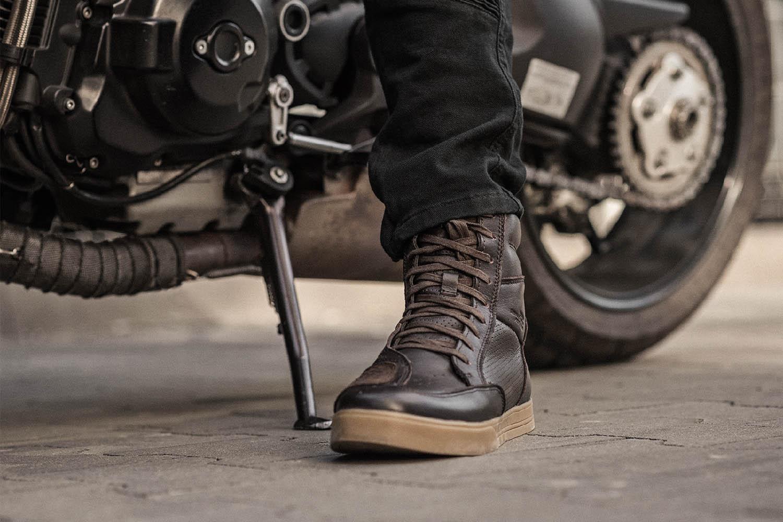 Мотоциклетные ботинки SHIMA BLAKE BOOTS из кожи вид справа купить по низкой цене