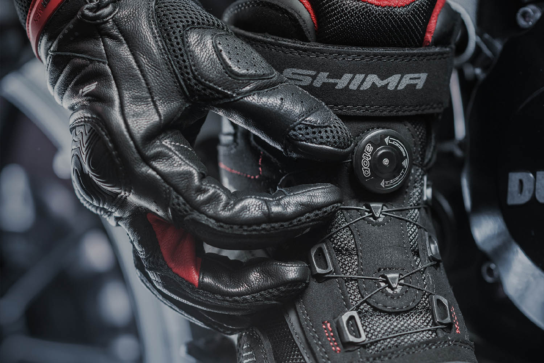 Мотоциклетные ботинки SHIMA EXO VENTED из кожи и текстиля вид шнуровка купить по низкой цене