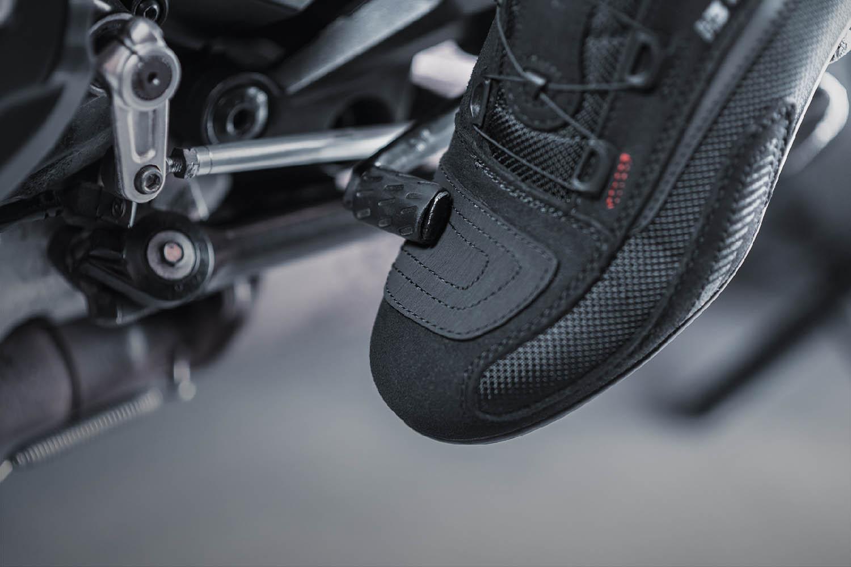 Мотоциклетные ботинки SHIMA EXO VENTED из кожи и текстиля вид лапка КПП купить по низкой цене