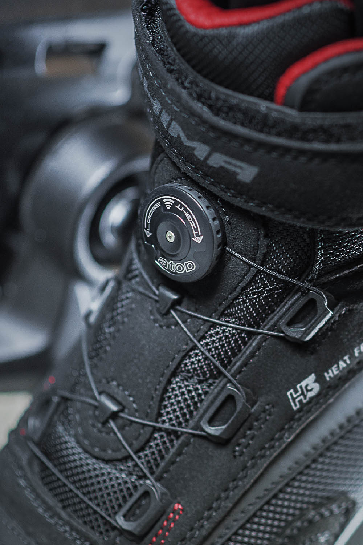 Мотоциклетные ботинки SHIMA EXO VENTED из кожи и текстиля вид шнурки купить по низкой цене