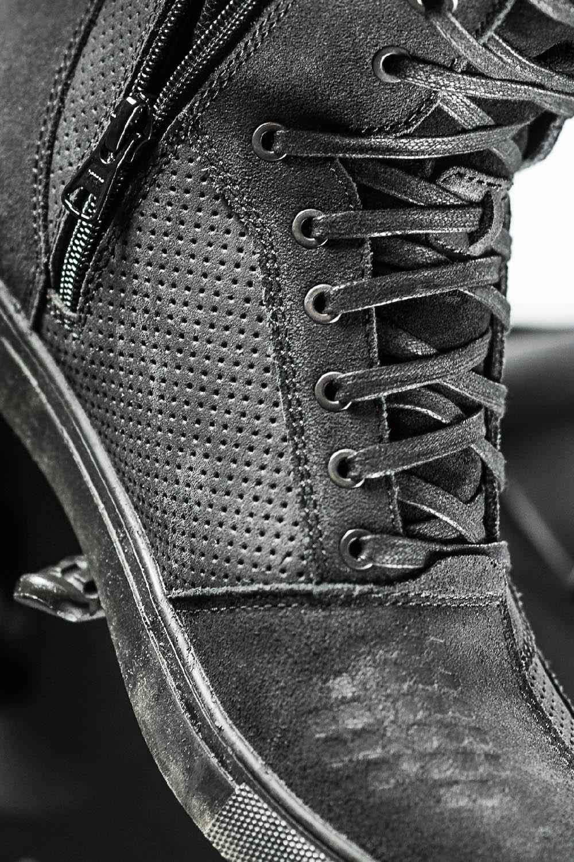 SHIMA REBEL WP черного цвета мотоциклетные кроссовки, вид застежки купить по низкой цене
