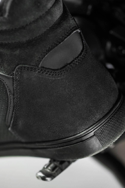 SHIMA REBEL WP черного цвета мотоциклетные кроссовки, вид пятки купить по низкой цене