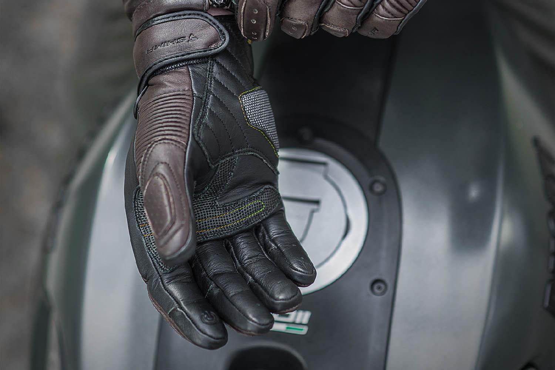 SHIMA BLAKE мотоциклетные перчатки из кожи, вид вставка на ладони купить по низкой цене