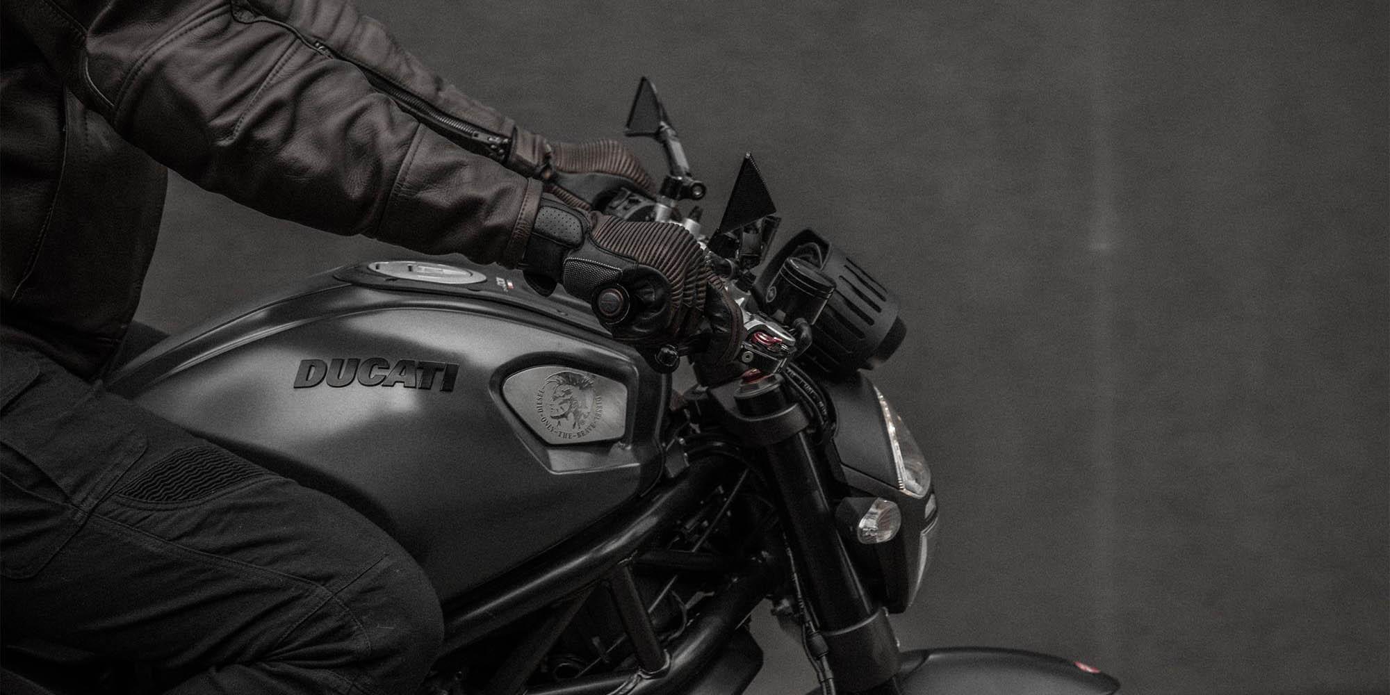 SHIMA BLAKE мотоциклетные перчатки из кожи, вид на ручке газа купить по низкой цене
