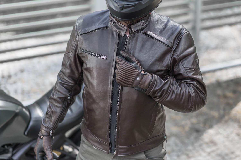 Куртка кожаная SHIMA BLAKE вид молния спереди для мотоциклистов купить по низкой цене