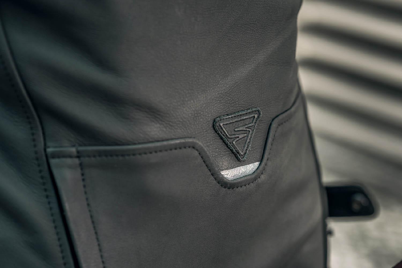 Кожаная куртка SHIMA SHADOW TFL классическая для мотоциклистов вид снизу сзади купить по низкой цене