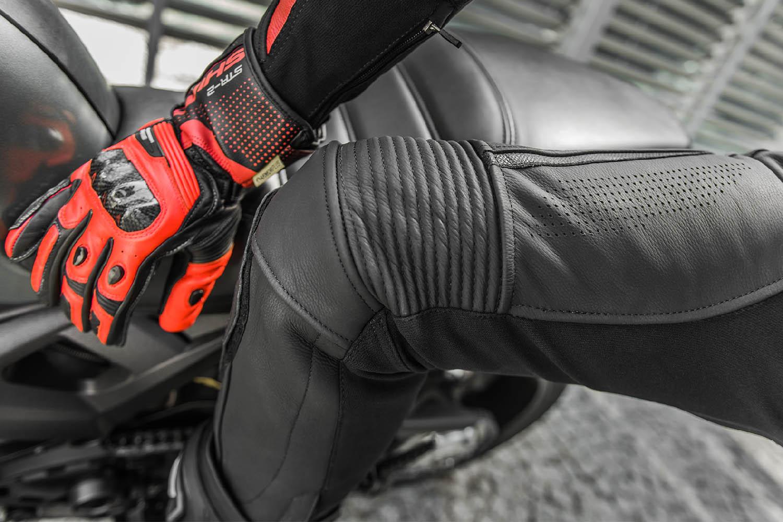 Мотоциклетные штаны SHIMA CHASE TROUSERS из кожи вид перфорация купить по низкой цене