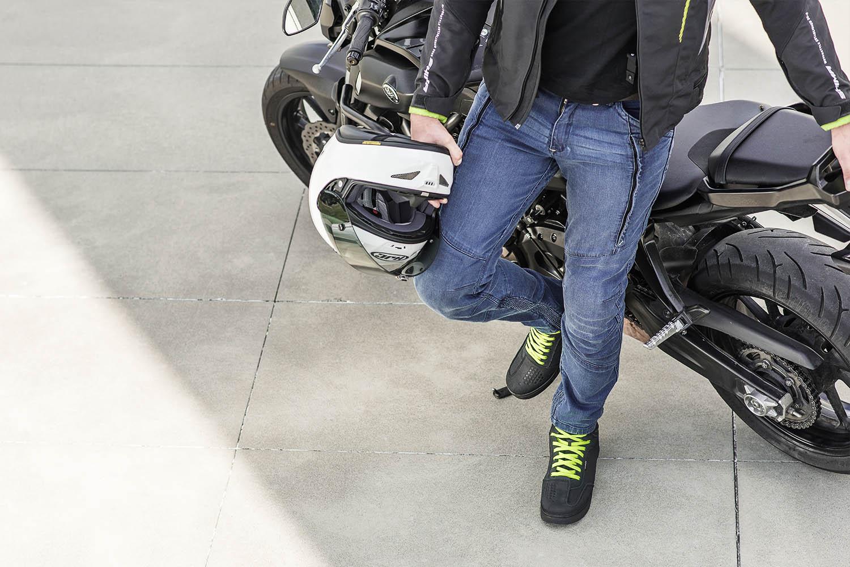 Джинсы мотоциклетные SHIMA GHOST REINFORCED цвет синий вид стоя сверху купить по низкой цене