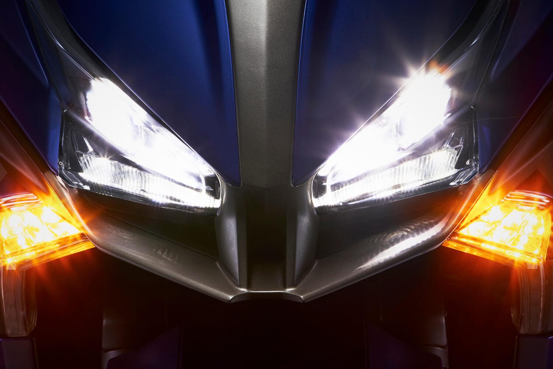 Cкутер Kymco XCITING S400 обновленное светодиодное освещение