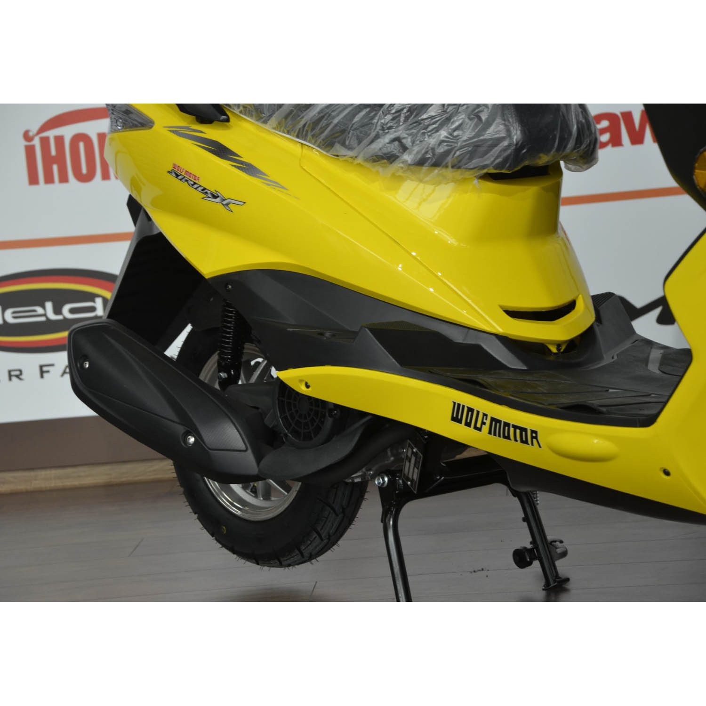 Скутер WOLF MOTOR CHASER жёлтого цвета вид глушитель купить по низкой цене