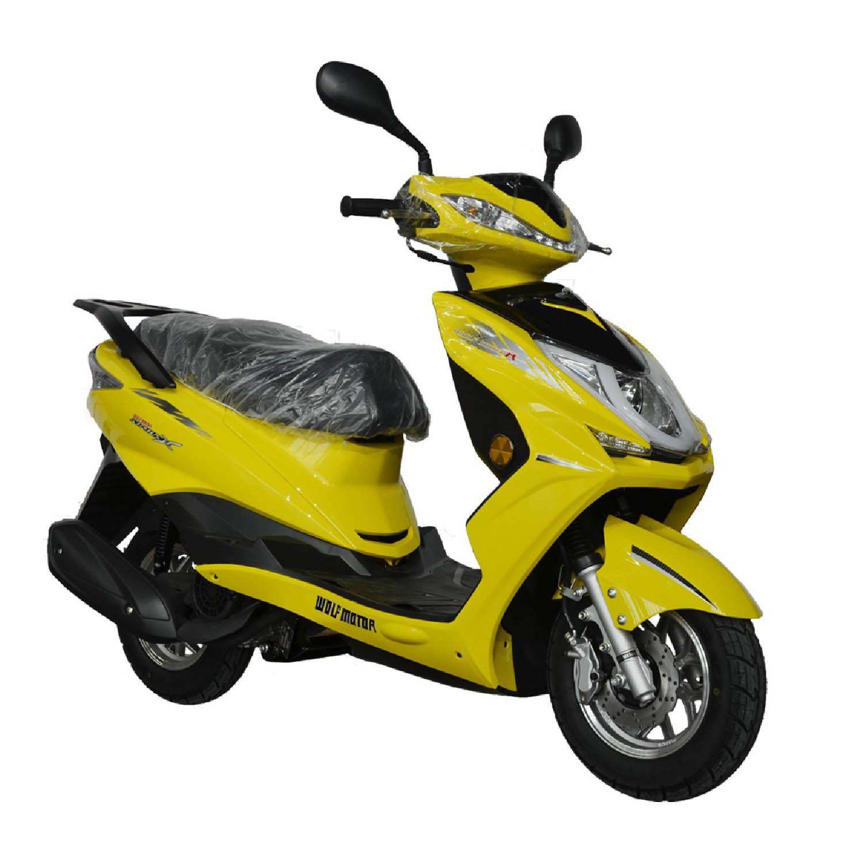 Scuter WOLF MOTOR CHASER жёлтого цвета вид справа спереди купить по низкой цене